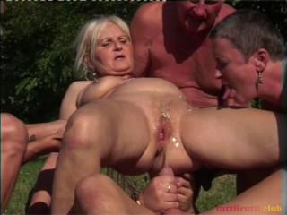 Perverse Granny bang-out