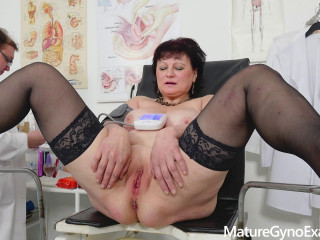 Good-sized chesty countrywoman gets huge orgasm and dumps in gyno tabouret 1080p