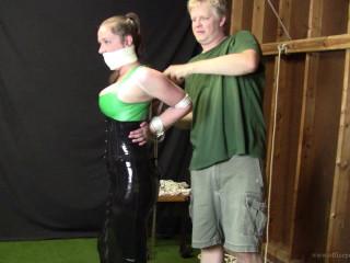 Pepper Sterling: Agonizing chicken wing tie in latex
