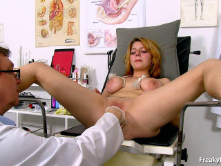 Lo la Fauve 18 years girls gyno exam (2016)