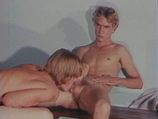 Blonde Paramours (1989)