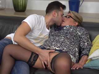 Kim Van Dyke - German large breasted housewife doing her toyboy FullHD 1080p