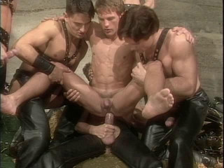 6 leather-clad folks in hook-up
