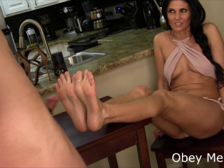 Obey Melanie Cum in your Mouth (2016)