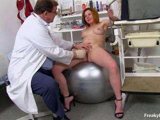 Claudia (19 years girls gyno exam)