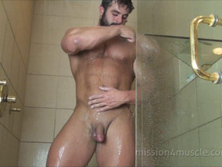 Frank The Tank - Full Body Shave - Mission4Muscle