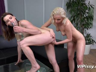 Piss Babes Victoria Daniels & Julia Parker