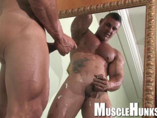 MuscleHunks - Brian Gunns - Raw Buffness
