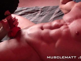 MuscleMatt - Carlo Plumbs Chez