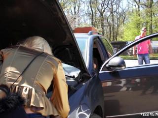 Good Samaritan Gets His Piss Reward (2012) HDRip