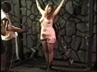 Amateur Slave video - A Highly Off the hook Delivery