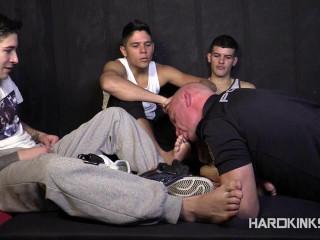 Hard Kinks - Adrian Yuyu, Izann, Raul Male, Sergio Mutty