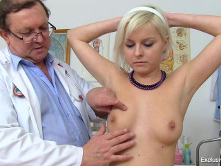 Teen pussy spreading at gyno clinic