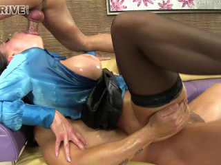 Fucking Her Steamy Vag And Ass Simultaneously
