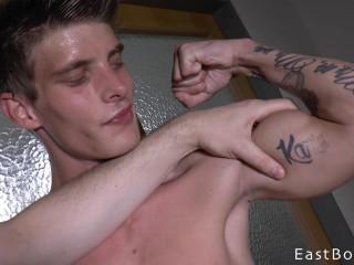 Eastboys - Alexander Dorch - Muscle Worship - Flex - Piss