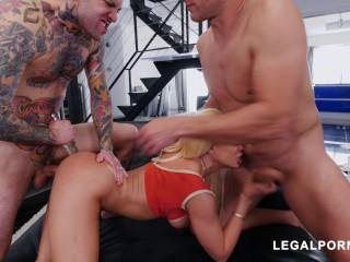 Latina Queen Luna Star Shows Us Why Shes A Pornstar Vs 2 Cocks
