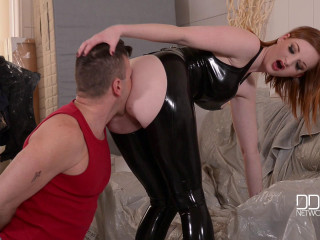 Zara DuRose - Red-Haired Domme Abases Tiler (2016)