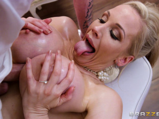 Rebecca Moore - Massaging Mrs Moore (2017)