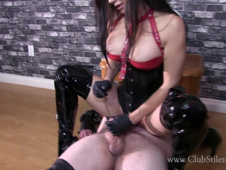 Push It Out With Your Cum – Club Stiletto