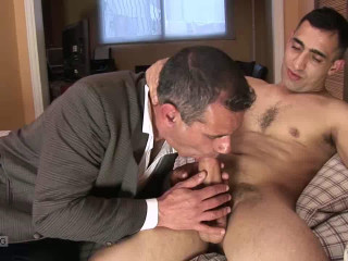 Youthfull Dad Cums For an Interview