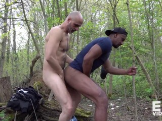 Aldo fucks a jogger in the woods