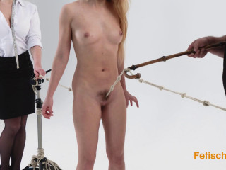 Pussy torture for the slave girl