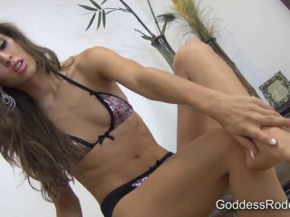 Goddess Rodea – Oiled legs for losers