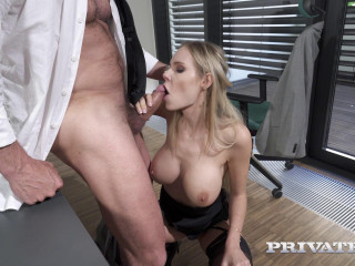Florane Russell - Assfucking At The Office (2020)
