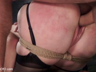 Redhead Spanish Slave Training - Amarna Miller Day 3