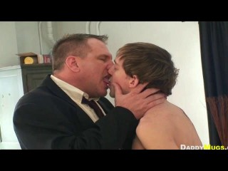 Daddy Mugs pummels Andy Kay