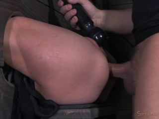 Lil' Amber Rayne Takes On Yam-sized Ten Inch