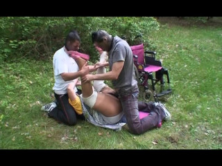 Outdoor 3some services