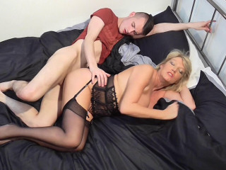Amy - British housewife doing her toyboy FullHD 1080p