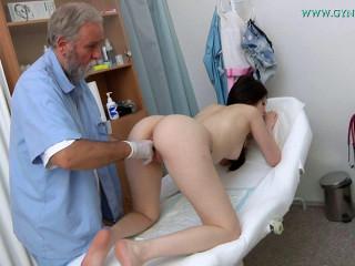 Rebecca Volpetti-18 years girl obgyn check-up