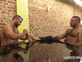 Turning Tables Edu Boxer Hugo Vergari - Brutish Fags HD 720p