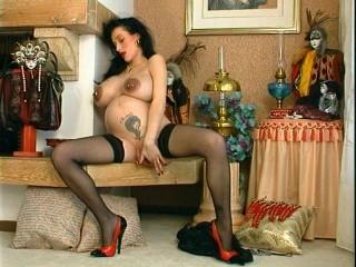 my sexy pregnant wife masturbates