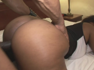 ebony sensational big round culo Cherise Rose boink