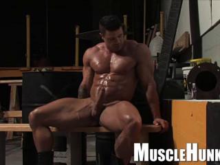 MuscleHunks - Kurt Beckmann