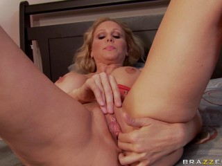 Julia Ann - Saluting Your Meatpipe To The Mansion