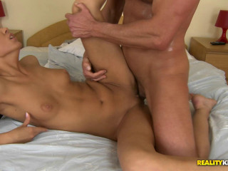 Good Sex With A Beautiful Hottie In The Apartment