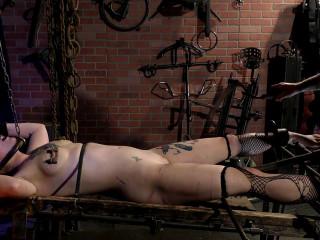 Sensualpain slave Position on Rack