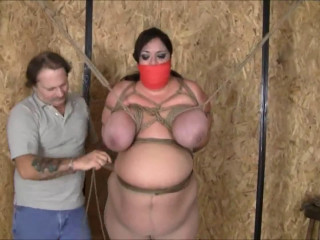 Tight bondage, strappado and hogtie for very hot naked model