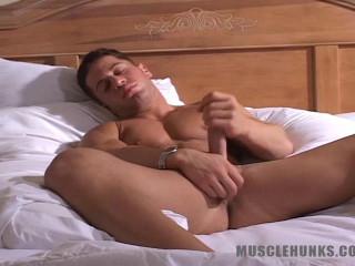 MuscleHunks - Kyle Winslow - Muscular Male Gymnast