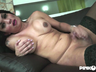 Laura Andrade - Laura'S Pleasure