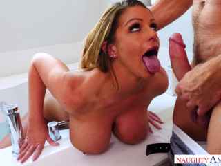 Brooklyn Chase - Brooklyn taking a bath! (2018)