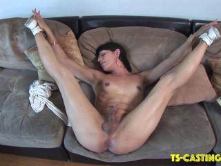 Nikki Heart - Twerks On The Couch