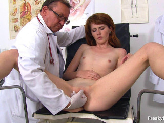 Anna Swix (20 years chicks gynecology exam)