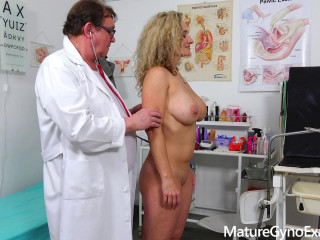 Rectal buttplug check-up of busty Cougar Ameli Monk