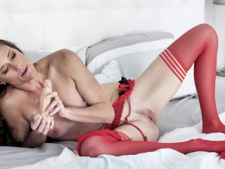 Red Stocking Seduction HD