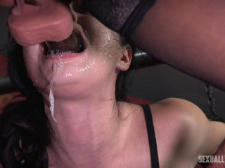 Yhivi Gets Face Penetrated and Vibed
